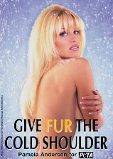 slideshow_1366233_Pamela_Anderson_-_Give_Fur_The_Cold_Shoulder