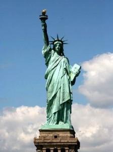 thumb-la-statue-de-la-liberte---l-embleme-de-new-york-2001